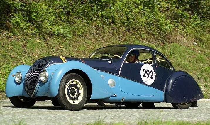 Darl'Mat Coupé. Das Fahrzeug wurde ursprünglich als Roadster oder Cabriolet ausgeliefert und nach dem Krieg in der Schweiz mit einem Coupé-Aufbau versehen
