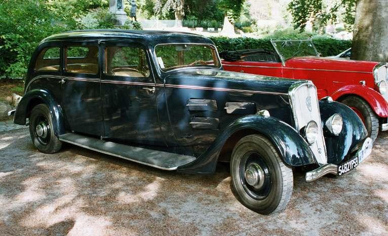 Ein 601 DL, Modell N9F, eine Limousine mit langem Radstand und bis zu 7 Sitzplätzen