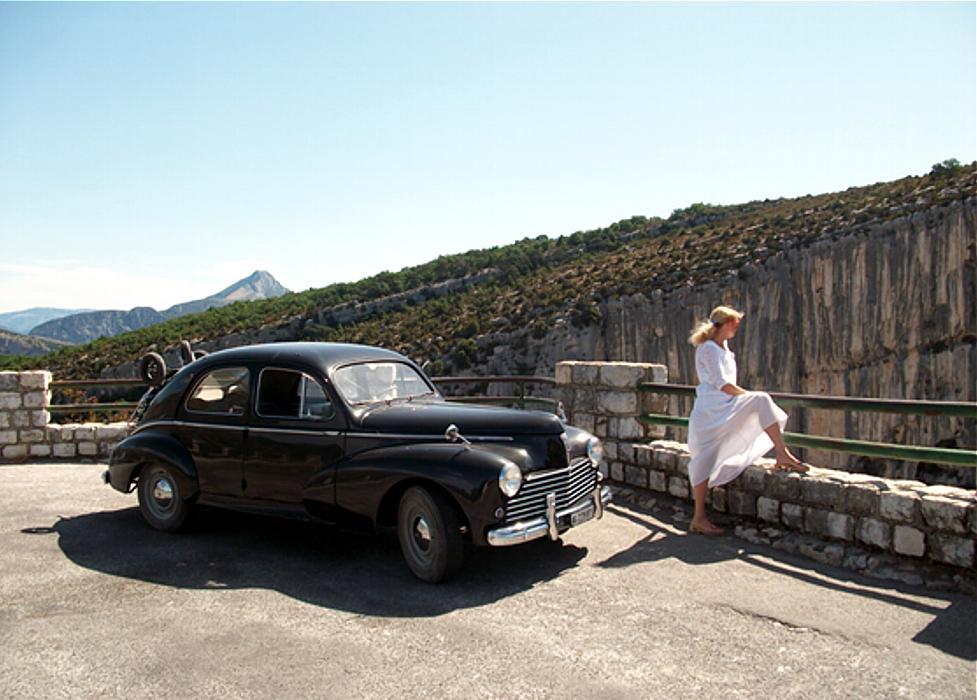Ferien in Frankreich mit dem Peugeot 203. Reisebericht von Peter Stich